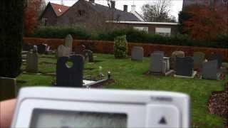 Ghost Box Sessie Met De Sangean DT250 Op Begraafplaats Venhuizen