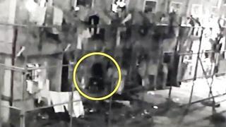 Cámara de seguridad muestra una espeluznante figura oscura en una cárcel de Brasil