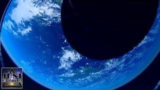 Giant Earth Theory | JPP