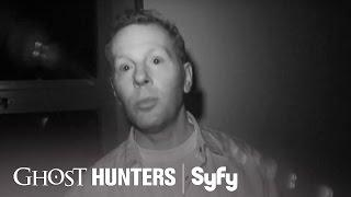 GHOST HUNTERS (Clips) | 'Lights Out' | Syfy