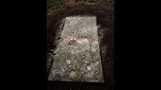 Spirit Box Session at the Grave of Alice Flagg