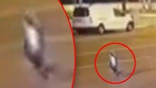 Cámara de seguridad graba a una criatura humanoide levitando en una calle de Turquía