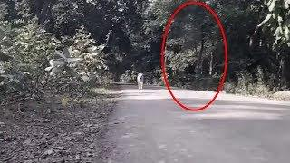 OMG !! Real Ghost Shadow Following ! Scary Videos Compilation 2017, Ghost Attack Footage