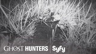 GHOST HUNTERS (Clips) | 'Worm Hunters' | Syfy
