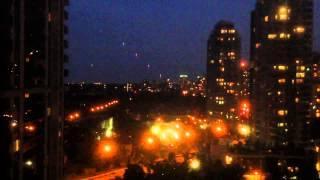 Residentes de Toronto alertan a la policía por la presencia de OVNIS