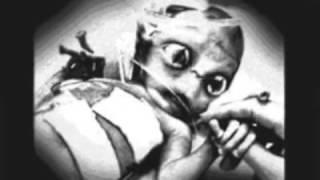 ALIEN AUTOPSY DEAD ALIEN BODY CUT OPEN REAL PROOF AREA 51 UFO SHOT DOWN