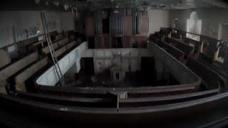 HAUNTED ABANDONED CHAPEL! FOUND GRAVEYARD AND CELLAR!!!