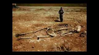 Giant Skeletons Found in Greece?