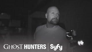 GHOST HUNTERS (Clips) | 'Get Stuffed' | Syfy