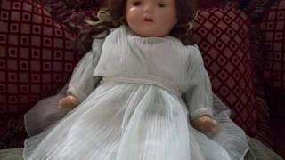 This doll moves!!! 3