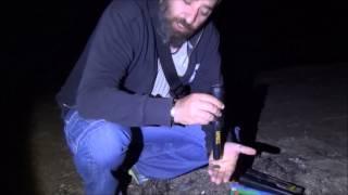 Έρευνα σε παραλία με τον mini ανιχνευτή της WHITE - BULLSEYE TRX