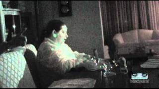 VIDEO-UPSTAIRS-diningroom-fluttering grid flashlight.flv