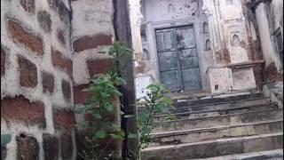 REAL Ghost caught on tape @ Haunted House - Paranormal Activity Real Clip - Scary Videos 2016