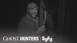 GHOST HUNTERS (Clips) | 'Feathers!' | Syfy