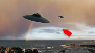 Top 3 UFO, Alien Videos Of 2017!! Real UFO With Aliens Caught On Camera