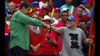 Maradona baila con la vandera de venezuela, el diego baila con maduro en cierre de campaña
