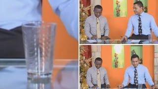 Un vaso se mueve impulsado por una fuerza invisible durante una emisión en directo en Honduras