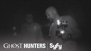 GHOST HUNTERS (Clips) | 'Bat Attack' | Syfy