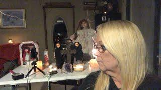 Live with the creepy dolls!