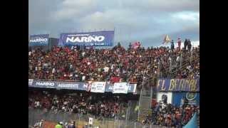 Cánticos en el estadio Libertad de Pasto.