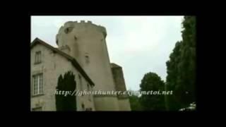 Le fantôme d' un enfant dans un château en France
