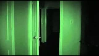 Atividade Paranormal 4 - Por Favor Não me machuque (Oficial Video)