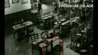 NO PODRÁS CREER LO QUE CAPTÓ LA CÁMARA DE SEGURIDAD DE ESTA CAFETERÍA @OxlackCastro