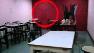 Ghost Caught In South Indian Restaurant !!! Real ghost caught in Mobile camera Scary Videos