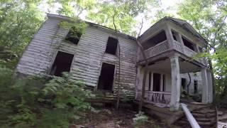 GATEWAY TO HELL ABANDONED HOUSE IN TENNESSEE HAUNTED RURAL URBEX CREEPY SATANIC