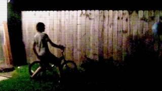 Enhanced video of SLENDERMAN Stalking Kids Caught On Camera SCARY ! 森林暗鬼盯梢孩子风行照相机吓人!