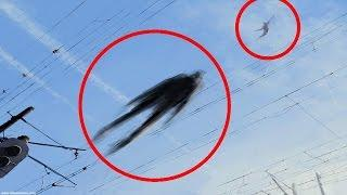 5 Humanoides Voladores Captado en Video y Visto en la Vida Real