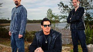 Watch Ghost Adventures Season 13 Episode 3 : Palace Saloon - Putlocker