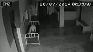 Fantôme d'une femme, filmé dans un hôpital