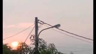 """Cientos de personas escuchan las """"trompetas del apocalipsis"""" en Yakarta"""