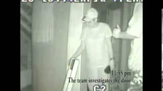 Villisca door open and close