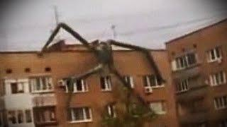 SLENDER MAN - Strange Climbing Creature Russian ALIEN Mutant