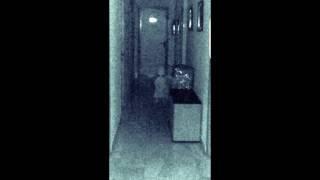 Terrorifica fotografia de una niña fantasma captada por un concejal de Granada